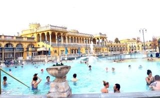 セーチェーニ温泉